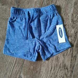3/$15 BNWT Old Navy shorts size 3-6 m